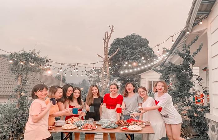 Tiệc BBQ sân vườn